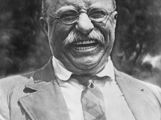 Theodore_Roosevelt_laughing