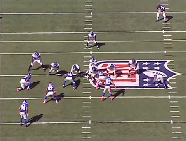 2011_W5_Lynch_run_endzone_pre-snap