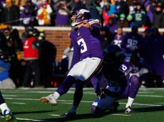 MINNEAPOLIS, MN - JANUARY 10:  Blair Walsh #3 of the Minnesota Vikings misses a 27-yard field goal in the fourth quarter against the Seattle Seahawks during the NFC Wild Card Playoff game at TCFBank Stadium on January 10, 2016 in Minneapolis, Minnesota. The Seattle Seahawks defeat the Minnesota Vikings with a score of 10 to 9.  (Photo by Jamie Squire/Getty Images)