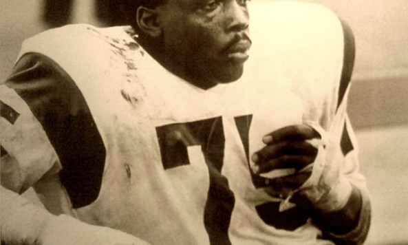Deacon-Jones-hands(1)