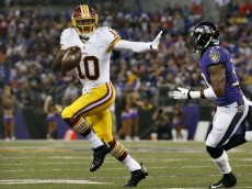 robert-griffin-iii-terrence-brooks-nfl-preseason-washington-redskins-baltimore-ravens-850x560 (600x395)