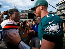 PHILADELPHIA, PA - SEPTEMBER 11: Robert Griffin III #10 and Carson Wentz #11 of the Philadelphia Eagles shake hands after their game at Lincoln Financial Field on September 11, 2016 in Philadelphia, Pennsylvania. The Eagles defeated the Browns 29-10. (Photo by Rich Schultz/Getty Images)