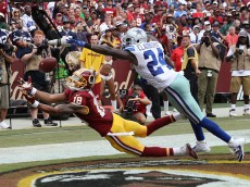 LANDOVER, MD - SEPTEMBER 18: Wide receiver Josh Doctson #18 of the Washington Redskins misses a catch against cornerback Morris Claiborne #24 of the Dallas Cowboys in the second half at FedExField on September 18, 2016 in Landover, Maryland. (Photo by Rob Carr/Getty Images)