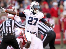 1408231494000-USP-NCAA-Football-Auburn-at-Arkansas