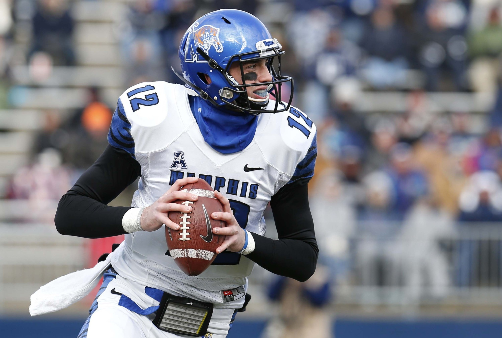 2016 NFL Draft Headlines: Eagles show interest in Paxton Lynch, Cardale Jones and Ezekiel Elliott declare for draft