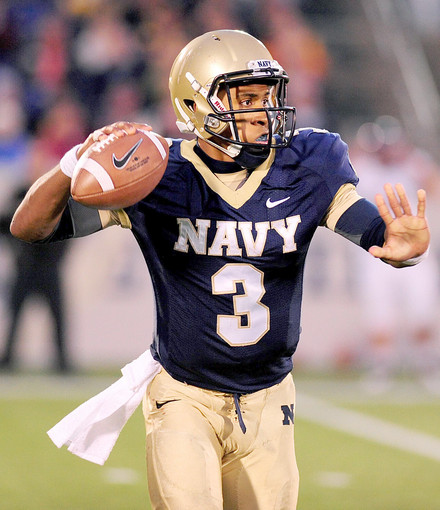 How Navy Can Attack Notre Dame S Defense Subway Domer