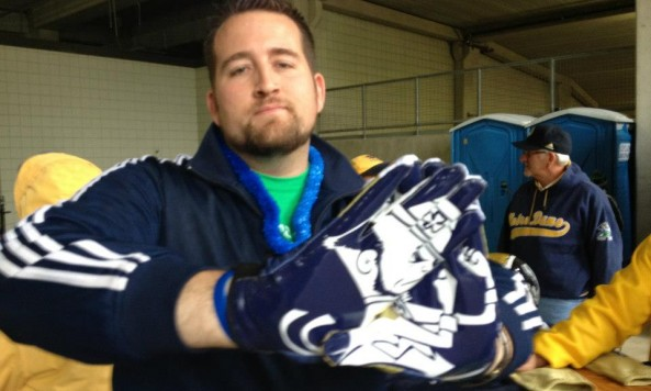 Notre Dame Miami gloves(1)