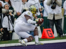 SEATTLE, WA - OCTOBER 12:  Wide receiver Bralon Addison #11 of the Oregon Ducks makes a touchdown catch in the second quarter against the Washington Huskies on October 12, 2013 at Husky Stadium in Seattle, Washington.  (Photo by Otto Greule Jr/Getty Images)