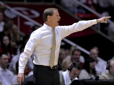SALT LAKE CITY, UT - JANUARY 14: Head coach Dana Altman of the Oregon Ducks points up court during the first half against the Utah Utes at the Jon M. Huntsman Center on January 14, 2016 in Salt Lake City, Utah. (Photo by Gene Sweeney Jr/Getty Images)