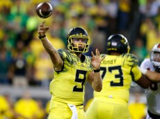EUGENE, OR - SEPTEMBER 10:  Dakota Prukop #9 of the Oregon Ducks throws the ball against the Virginia Cavaliers at Autzen Stadium on September 10, 2016 in Eugene, Oregon.  (Photo by Jonathan Ferrey/Getty Images)
