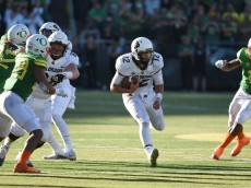 EUGENE, OR - SEPTEMBER 24: Quarterback Steven Montez #12 of the Colorado Buffaloes runs with the ball during the third quarter of the game against the Oregon Ducks at Autzen Stadium on September 24, 2016 in Eugene, Oregon. Colorado won the game 41-38. (Photo by Steve Dykes/Getty Images)