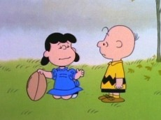 lucy-football-peanuts