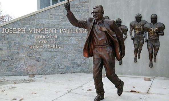 Paterno_statue