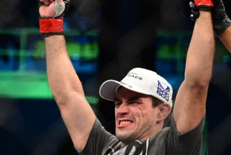 demian maia celebrates his victory at tuf brazil 3 finale