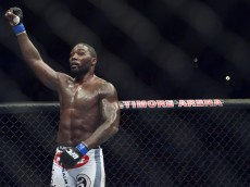 anthony johnson celebrates win over phil davis