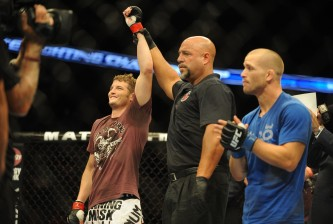 chas skelly celebrates win over tom niinimaki