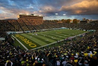 Oregon Plays Washington State at Autzen Stadium
