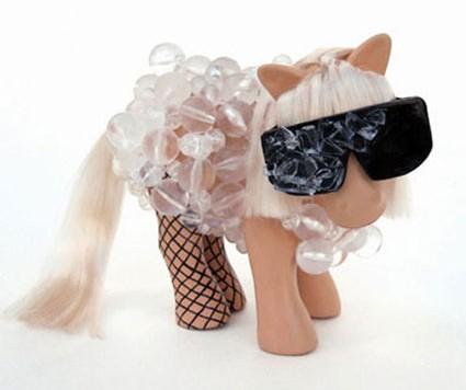 gaga-pony-060710-m