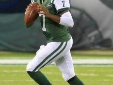 Geno_Smith_during_the_2013_Season_2013-10-07_11-42