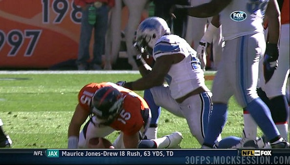 stephen_tulloch_sacks_tim_tebow_then_tebows_all_over_him