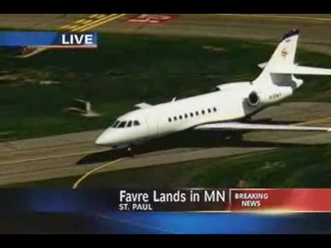 favre_lands_in_minnesotta