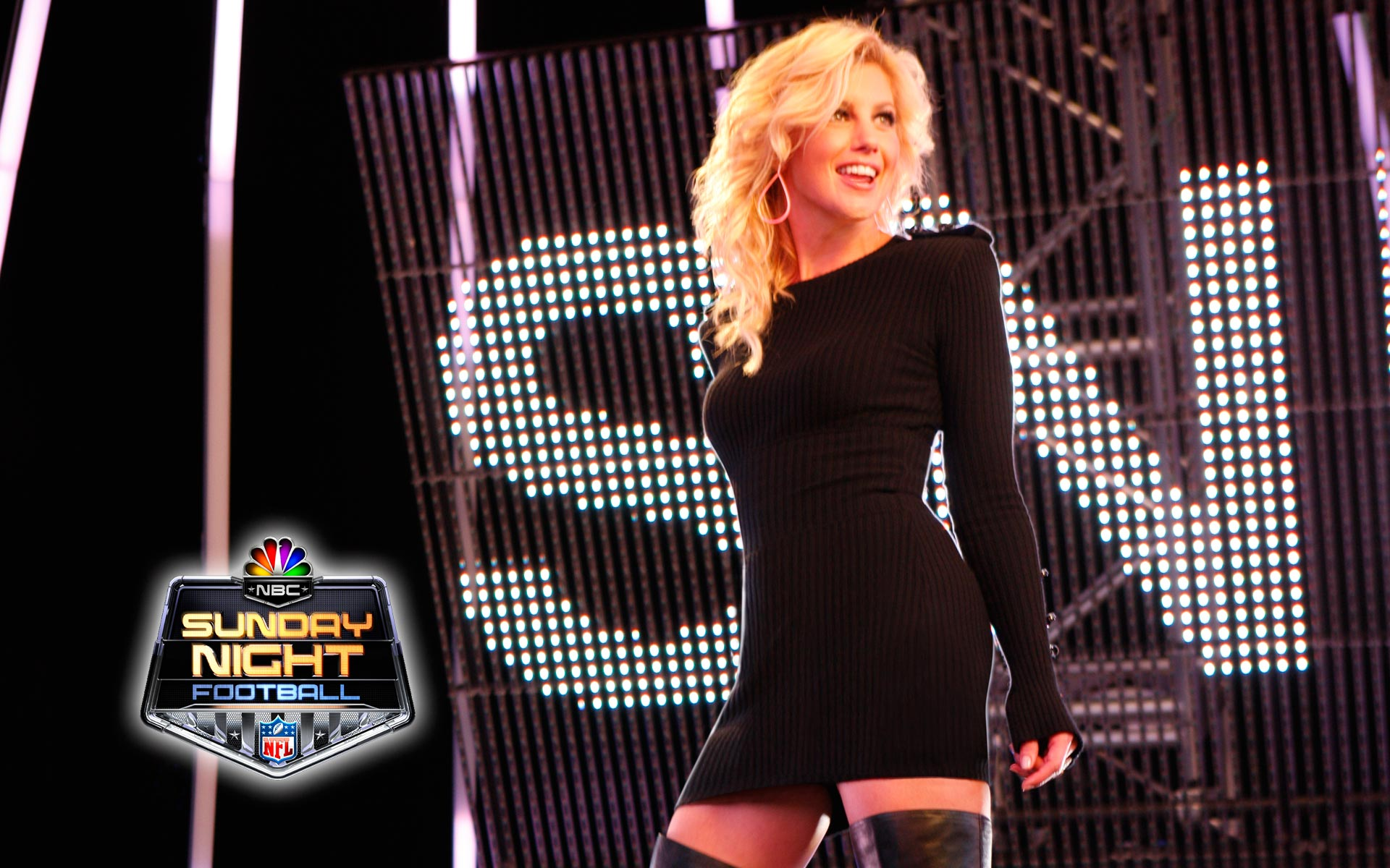 Faith Hill Sunday Night Football Legs