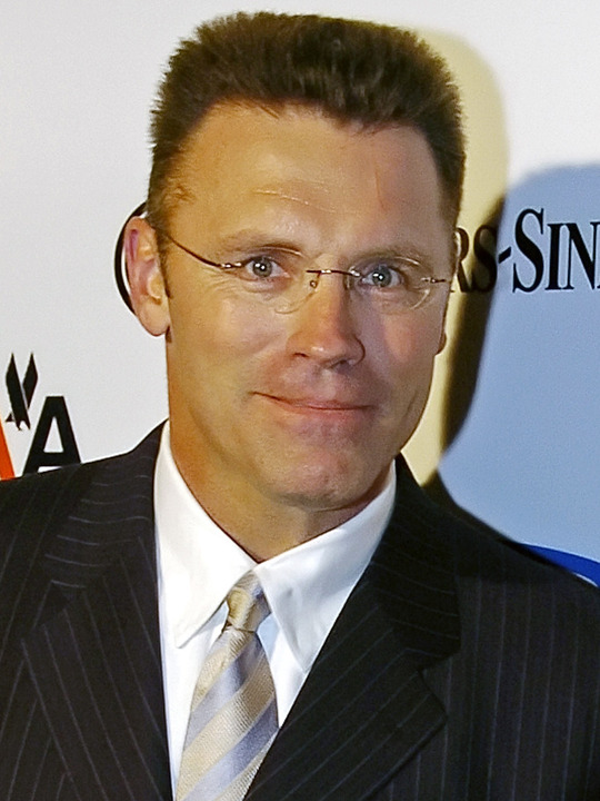 Howie Long Gets His First Sunday Off In 20 Years