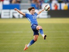 LOS ANGELES, CA - MAY 17:  Defender Meghan Klingenberg #22 of USA reaches for a high ball in the first half against Mexico during their international friendly match at StubHub Center on May 17, 2015 in Los Angeles, California.  (Photo by Joe Scarnici/Getty Images)