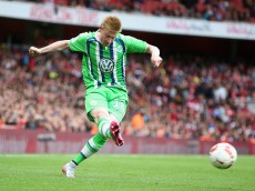 LONDON, ENGLAND - JULY 26:  Kevin de Bruyne of Wolfsburg passes the ball during the Emirates Cup match between Arsenal and VfL Wolfsburg at the Emirates Stadium on July 26, 2015 in London, England.  (Photo by David Rogers/Getty Images)