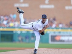 DETROIT, MI - JULY 08:  Justin Verlander #35 of the Detroit Tigers pitches in the first inning of the game against the Los Angeles Dodgers at Comerica Park on July 8, 2014 in Detroit, Michigan.  (Photo by Leon Halip/Getty Images)