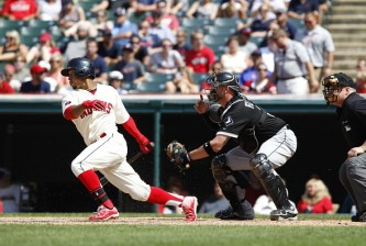 CLEVELAND, OH - JULY 26: Francisco Lindor #12 of the Cleveland Indians bats against the Chicago White Sox during the eighth inning of their game on July 26, 2015 at Progressive Field in Cleveland, Ohio. The White Sox defeated the Indians 2-1. (Photo by David Maxwell/Getty Images)