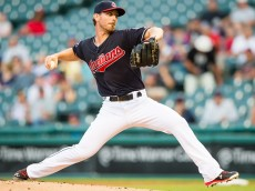 CLEVELAND, OH - SEPTEMBER 15: Starting pitcher Josh Tomlin #43 of the Cleveland Indians pitches during the first inning against the Kansas City Royals at Progressive Field on September 15, 2015 in Cleveland, Ohio. (Photo by Jason Miller/Getty Images)  *** Local Caption *** Josh Tomlin