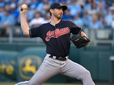 KANSAS CITY, MO - SEPTEMBER 26:  Josh Tomlin #43 of the Cleveland Indians throws in the first inning against the Kansas City Royals at Kauffman Stadium on September 26, 2015 in Kansas City, Missouri. (Photo by Ed Zurga/Getty Images) *** Local Caption ***  Josh Tomlin