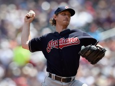 MINNEAPOLIS, MN - JULY 17: Josh Tomlin #43 of the Cleveland Indians delivers a pitch against the Minnesota Twins during the first inning of the game on July 17, 2016 at Target Field in Minneapolis, Minnesota. (Photo by Hannah Foslien/Getty Images)